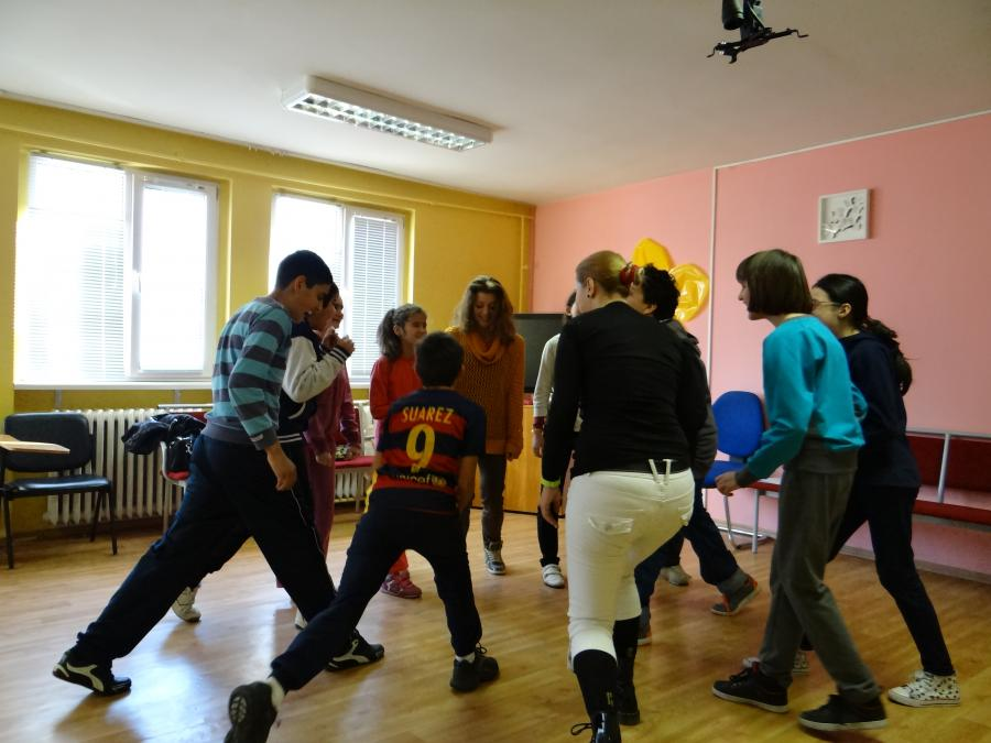 With tutors inspired from the short-term training in Palermo and children inspired from theatre and the lovely stories about the Italian group - this Friday was a fantastic day for workshop activities :)