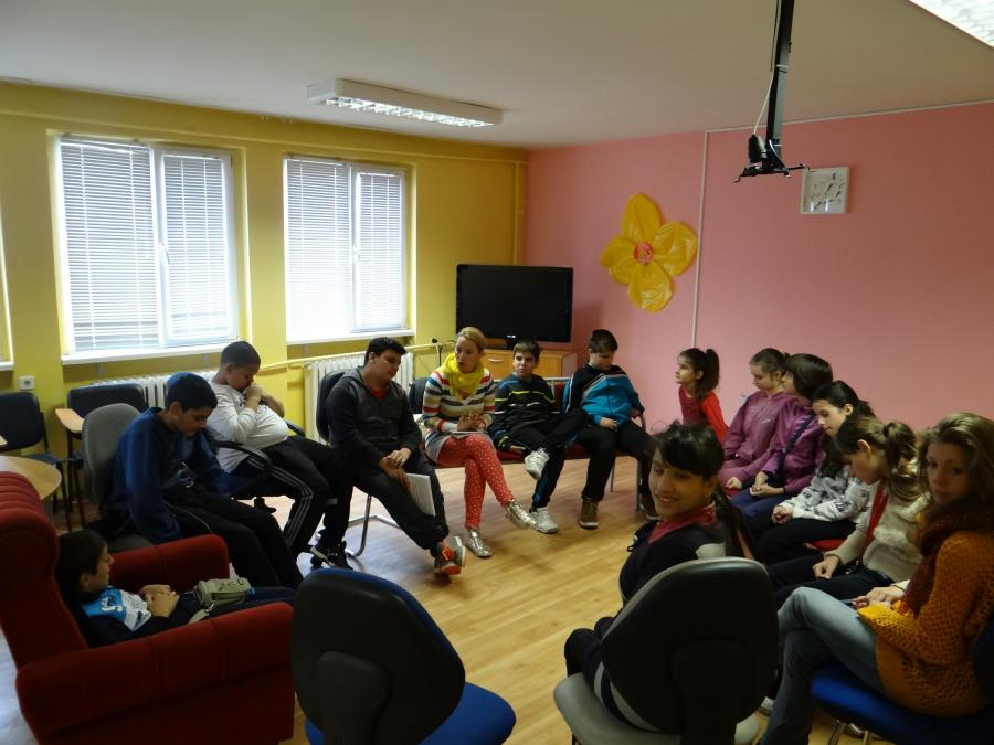 Last Friday, 16.10.2015, was the first meeting with the Sofia group after the start of the new school year. Both tutors and children were thrilled and enthusiastic.